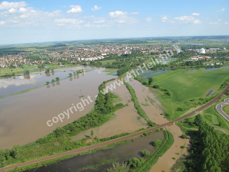 Kárfelmérés, Árvízvédelem, Sajtó: árvíz