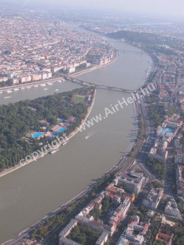 Helikopteres repülés Budapest felett, 2012. augusztus: