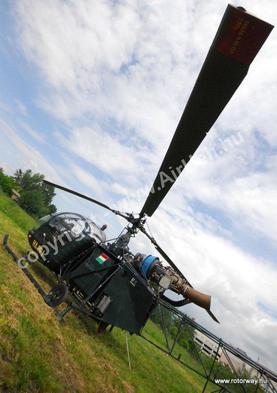 Helikopteres városnézés, 2010. május Ajándék utalvány: Budapest Helikopter leszálló