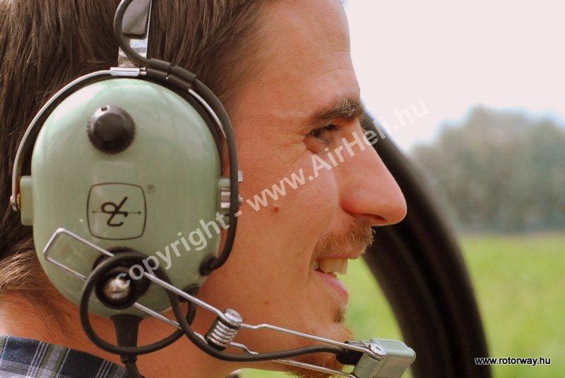 Helikopteres városnézés, 2010. május Ajándék utalvány: helikopter utas