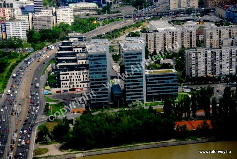 Helikopteres városnézés, 2010. május Ajándék utalvány: