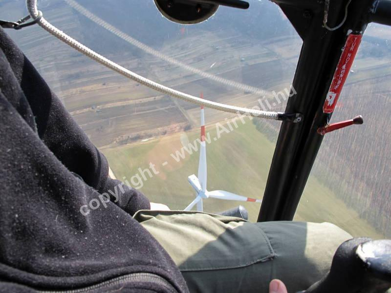 Helikopter repülés
