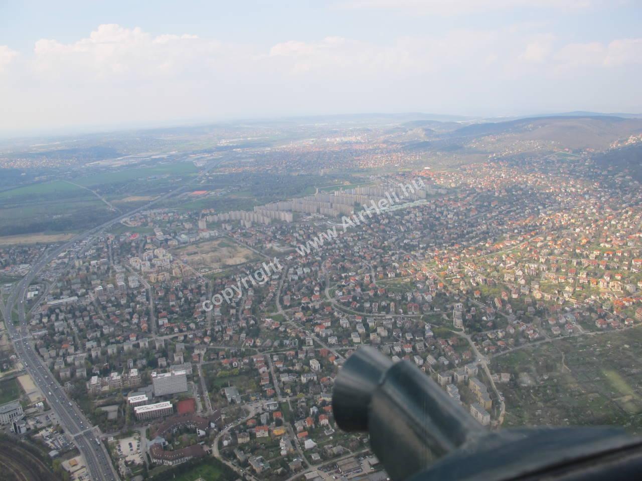 2010. április - helikopteres városnézés: helikopter Budapest