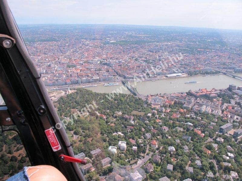 Helikopteres Budapest városnézés, 2012. július: