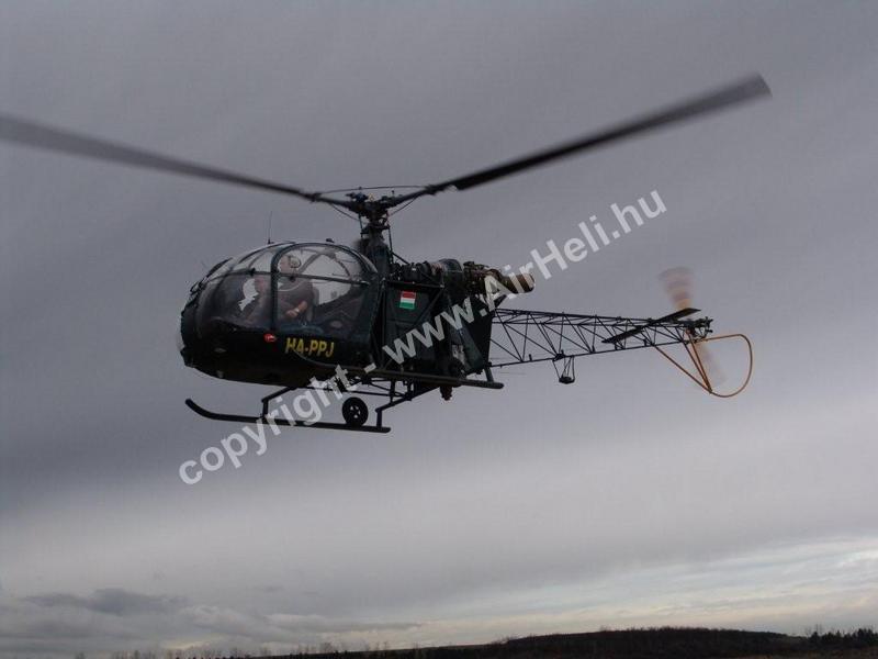 Helikopter levegőben